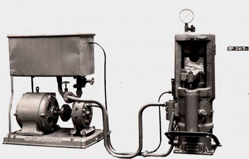 125 ton Vertical Shell Banding Press with Fraser Pump, O/No. 7811, c.1936