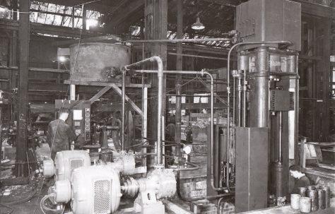 200 ton Drawing Press, views taken c.1940, O/No. 8469, c.1939