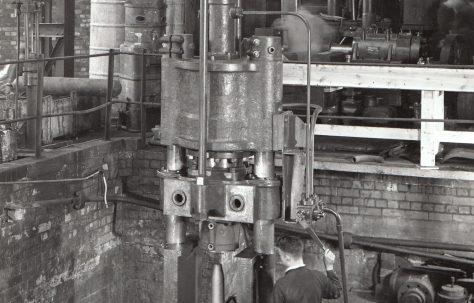 250 Ton Nosing Press, O/No. 8633, c.1939