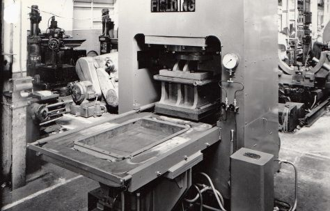 400 ton Single-Mould Slab Press, views taken under construction & on site, O/No. 59770, c.1959