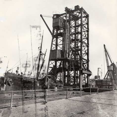 Hydraulic coal tip at Alexandra Dock, Newport    D7338/14/5/17/7014 (Ex 1857) | Gloucestershire Archives