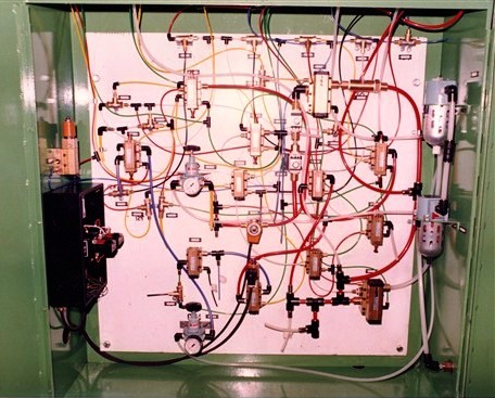 Panel-mounted Air circuit for a single-mould slab press | Kindly supplied by Graham Aston