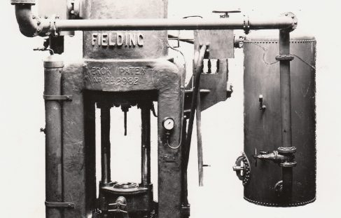 1000 ton Vertical 'Serck' Extrusion Press, O/No. 7820, c.1936