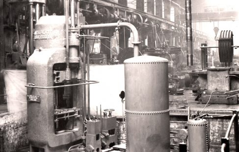 1000 ton Vertical Extrusion Press, O/No. 6896, c.1933 Views taken in the works)