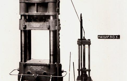 500 ton 4 Column Press and Intensifier, O/No. 7096, c.1934