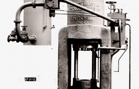 1000 ton Vertical Extrusion Press, O/No. 7082, c.1934