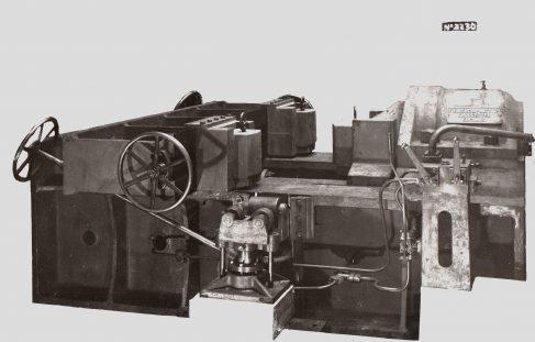 1500 ton Horizontal Gun Straightener, O/No. 7918, c.1937