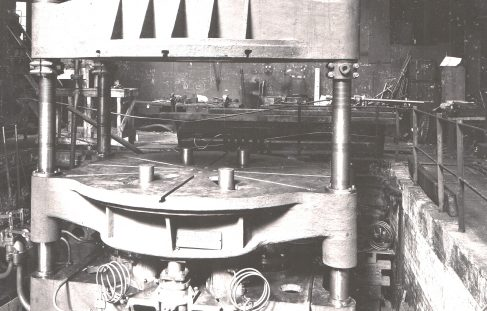 540 ton Triple Flanging Press, O/No. 8097, c.1937