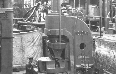 250 ton Joggling Press., O/No. 8486, c.1939