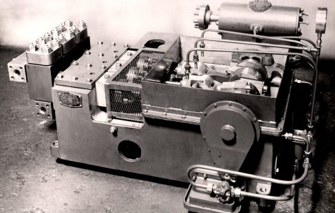 Three-Throw Single-Action Injectors, O/No. 9301, c.1941