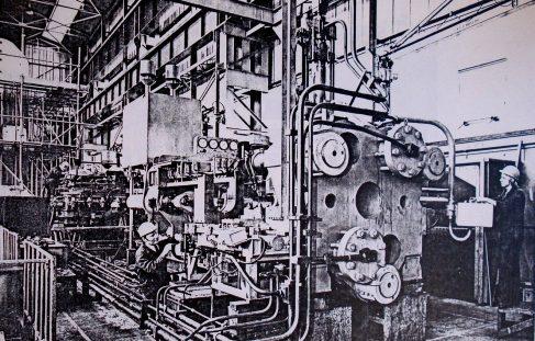 1600 ton Horizontal Extrusion Press, O/No. E86070, c.1974
