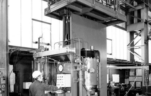 500 ton Vertical Hydraulic Press, for shipment to Poland, O/No. V89590, c.1975