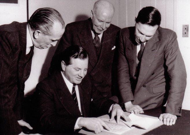 Photo 06.    Mr Stammers; Jim Fielding; Reggie Rowles;  David Rowles.