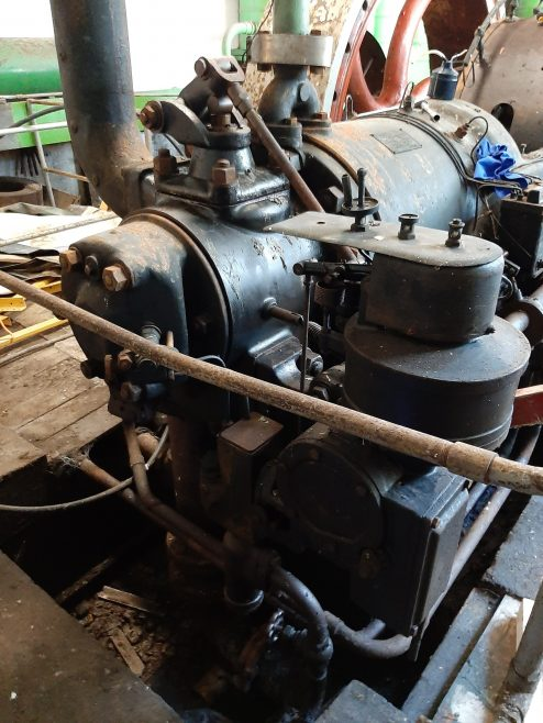 Typical 95 HP Cold Breech Engine