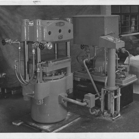 120 Ton Platen Press Photo 4049   Fielding & Platt c.1945