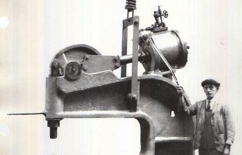 80 ton Pneumatic Rivetter, O/No. 6723, c.1931