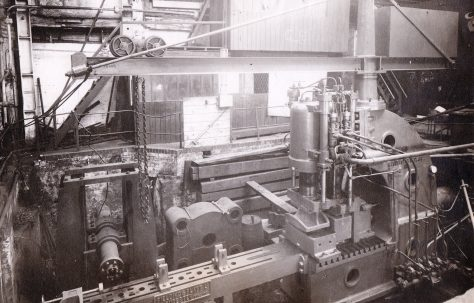 150 ton Open Gap Flanging Press, with staving gear, O/No. 8047, c.1937