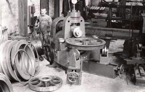20 ton Tyre Lip Rolling machine, view taken in the factory in 1939, O/No. 8370, c.1938