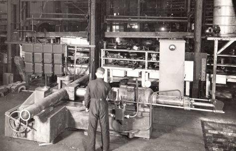 120 ton Hydraulic Pipe Bender, O/No. 8559, c.1939