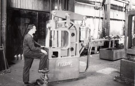 4 ton Pneumatic Forcing Press with reducing valve, O/No. 8822, c.1940