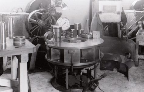 360 ton Radial Shell Banding Press, O/No. 8732, c.1939