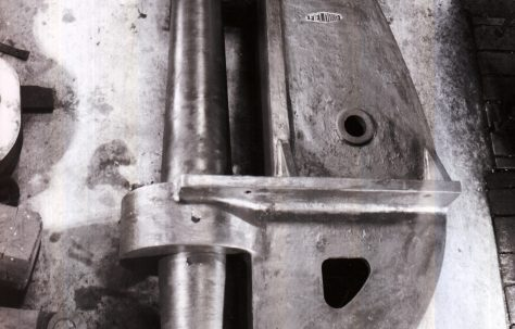 37 ton Fixed Hydraulic Rivetter for pipes, O/No. 9373, c.1941
