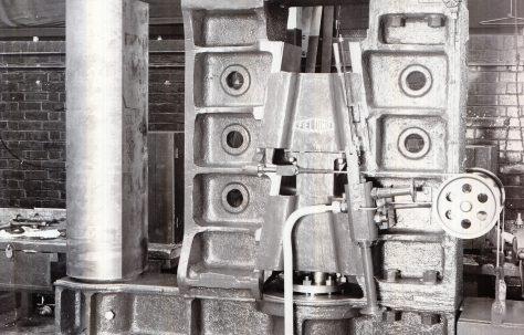 200 ton Vertical Plate Bender, O/No. 9270, c.1941