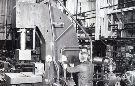 100 ton Straightening Press, O/No. 9609, c.1941