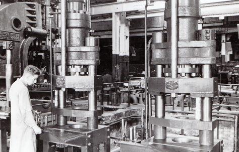 100 ton Discard Press, O/No. 4368, c.1943