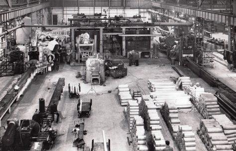 3500 & 1500 ton Extrusion Plant, views taken on site, O/No. 9698, c.1941