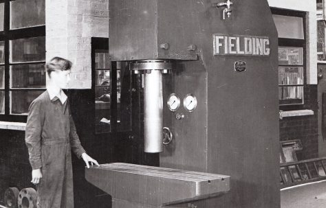 30 ton Open Gap Straightener, O/No. 4453, c.1943