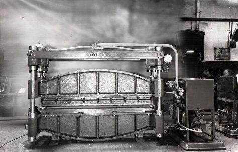 180 ton Flanging Press, O/No. 4538, c.1942