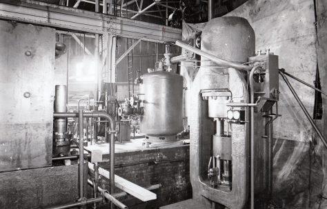 1450 ton Vertical 'Serck' Extrusion Press, O/No. 4396, c.1943