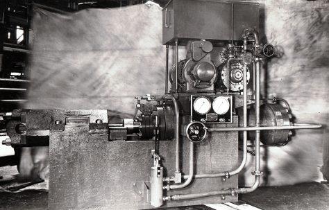 250 ton Extrusion Press, O/No. 4622, c.1943
