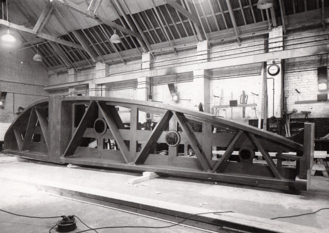 D7338/14/10/3862 A wooden pattern of a rivetter | Gloucestershire Archives