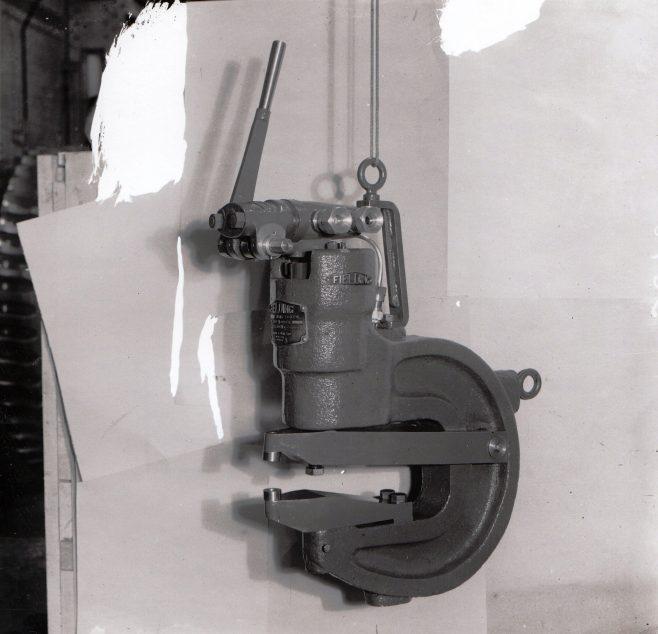 D7338/14/10/3898 A 15 ton Rivetter | Gloucestershire Archives