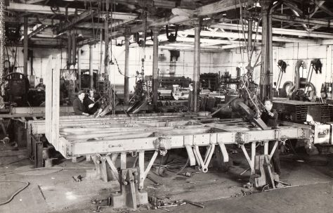 20 ton Rivetter, with Chain Hanger, views taken on site in 1943 riveting a wagon body, O/No. 4206, c.1942