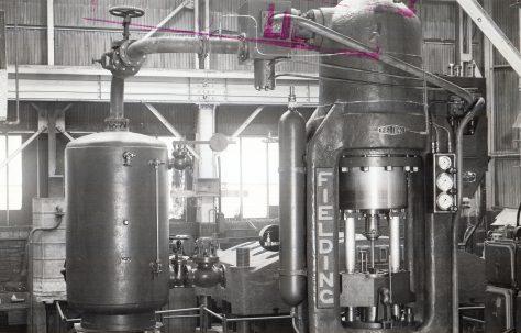 700 ton Vertical 'Serck' type Extrusion Press, O/No. 4895, c.1944