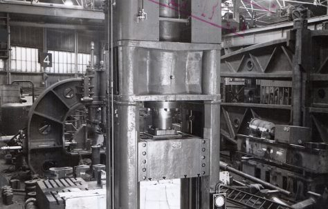 350 ton Vertical Self-Contained Extrusion Press, O/No. 4197, c.1944
