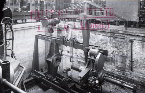 400 ton Wheel Press, with onboard 5 ton crane, O/No. 5161, c.1945