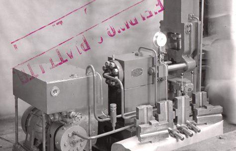 30 ton Expanding press, O/No. 5351, c.1946
