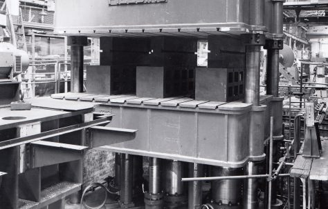 1250 ton Treble-Action Upstroking Hydraulic Flanging Press, O/No. 5262, c.1945