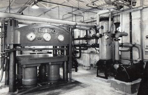 600 ton Platen Press, O/No. 4961, c.1944