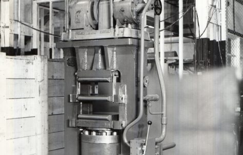 200 ton Laboratory Press, O/No. 5834, c.1947