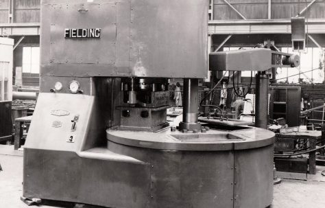 400 ton Three-Mould Slab Press, O/No. 5673, c.1947