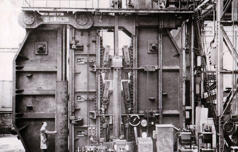 3600 ton Plate Bender, O/No. 5555, c.1946