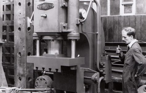 35 ton Open Gap Flanging Press, O/No. 6192, c.1949