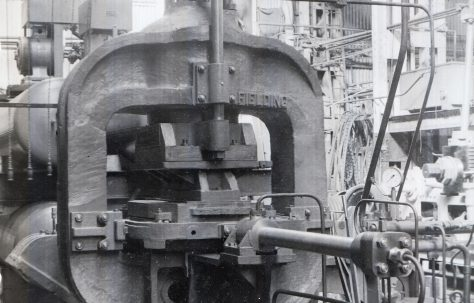400 ton Single-Mould Kerb Press, O/No. 6573, c.1950