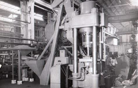 400 ton Briquetting Press, O/No. 3400, c.1951