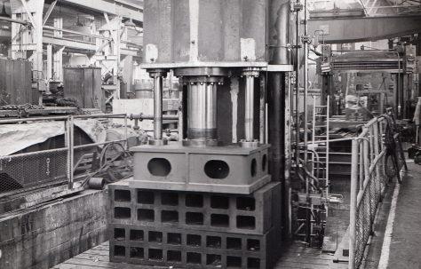 500 ton Flanging & Joggling Press, O/No. 6487, c.1951